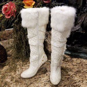 Womens BABY PHAT Odessa White Quilted Faux Fur Lucite Wedge Heel Boots Sz 7.5